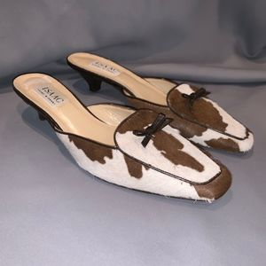 ISAAC Bow Leather Animal Print Mules